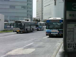 岡山市内を走るバス_2009-08-05