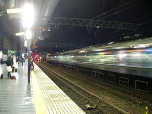 いつもどおりの京都駅のプラットホーム(0番線ホームにて撮影)