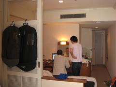 ホテルで編集