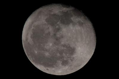 20111212_moon_trimming.jpg