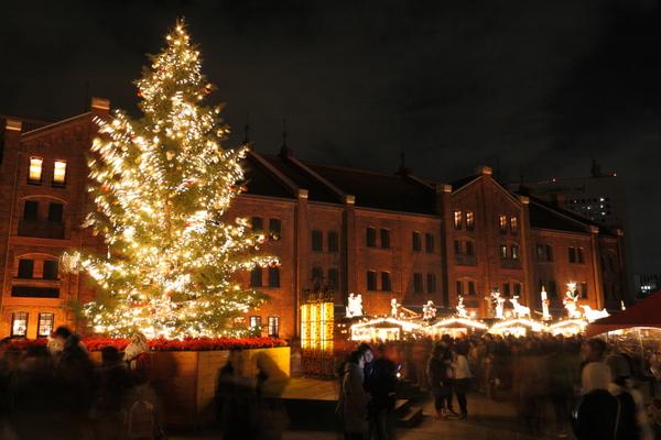 赤レンガ倉庫のクリスマスツリー