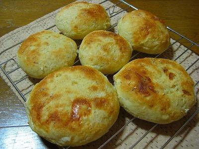 オニオンコンソメキャベツチーズパン