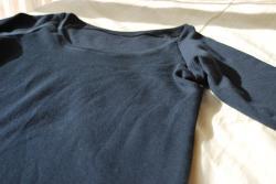 Tシャツ紺