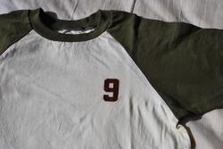 9Tシャツ