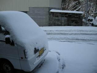 玄関 初雪