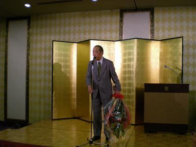 合同研修会で中川氏に花束を贈呈!