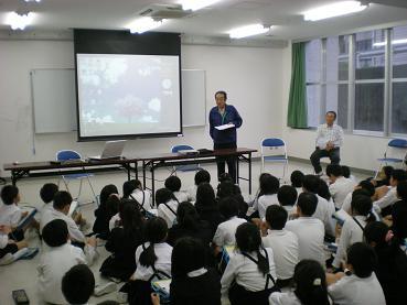ホタルの宿主・鈴坂さんから観察と飼育の注意事項が