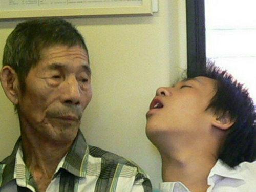 居眠りと老人