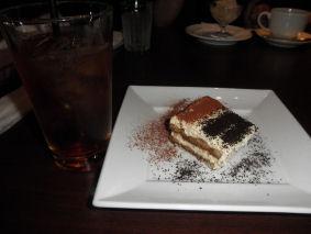 ケーキとアイスティ