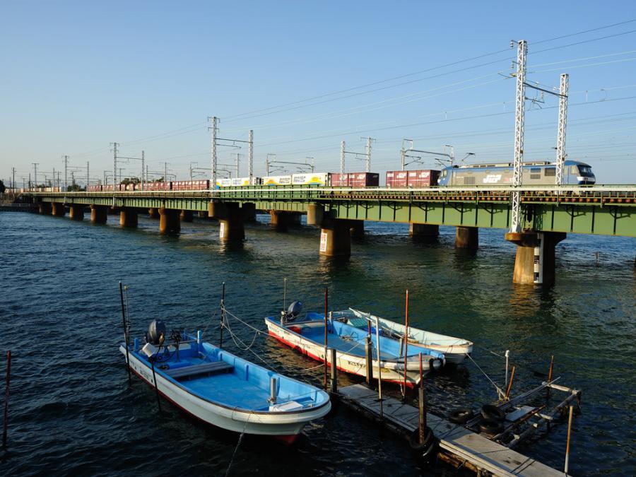東海道線・貨物列車b