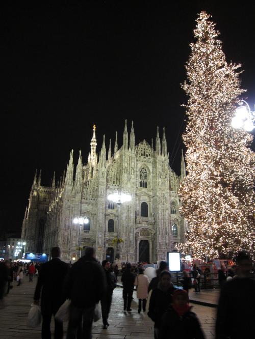 IMG 0147 convert 20081218024150 - ミラノ・ドゥオーモ前のクリスマスツリー