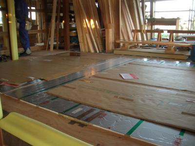 LD 床暖房マット敷設(2009年3月1日)