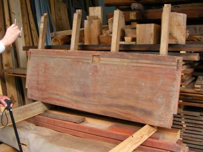 下駄箱の天板に使う板