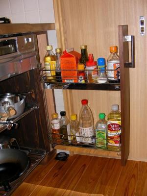 キッチン コンロ下調味料収納棚