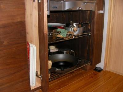 キッチン コンロ下鍋収納ステンレス棚