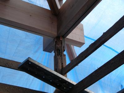 和室の柱 取り替え前