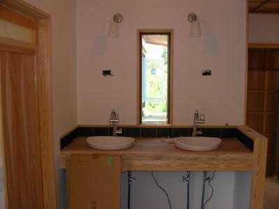 洗面所とトイレの位置関係