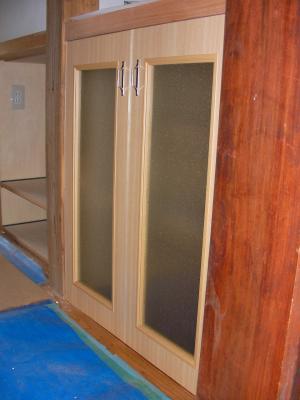 台所 背面収納棚とびら