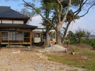 ブランコとトトロの家(2009/10/17)