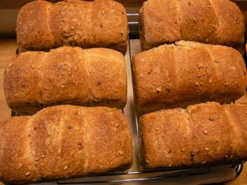 赤米パン1