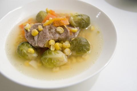 豚と芽キャベツのスープ煮