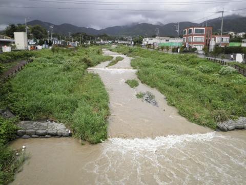 濁流の水無川02