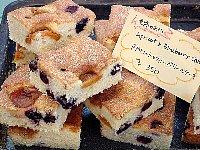 アプリコット&ブルーベリーケーキ (1)BLOG