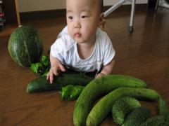 野菜と記念撮影