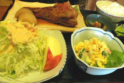 赤魚煮つけ定食
