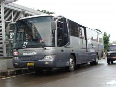 運用開始したバスレーン第八路線 PP002号車