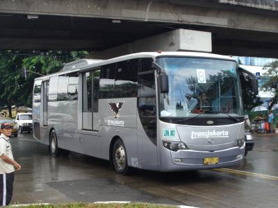 transjakartaで活躍する日野車