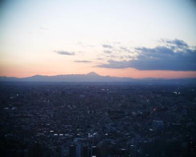 夕暮れ富士山・都庁:R2