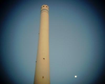 煙突と月:Entry