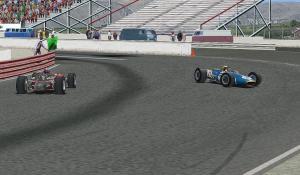 Lap55、最終コーナーでスピン