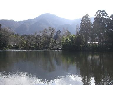 lake was like a mirror