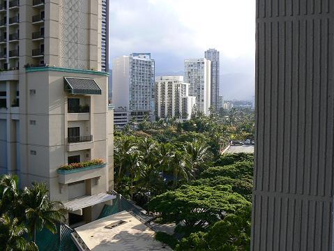 '08ハワイ 0627ヒルトンの朝:シティ方向