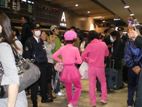 成田空港で4