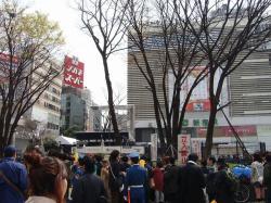 新宿駅東口 (2)