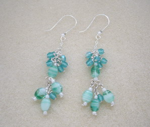 emerald color dangle earring