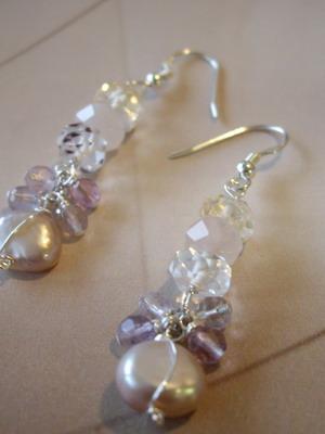 Three stones and flourite dangle pearl earrings