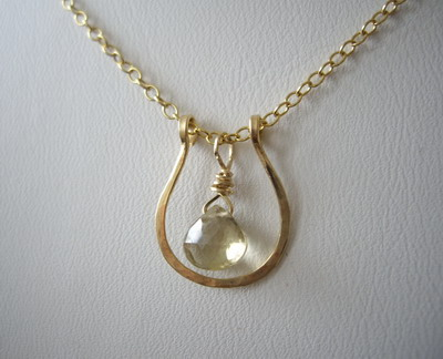 Horse shoe necklace champagne citrine