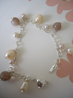 pearl and puff heart bracelet