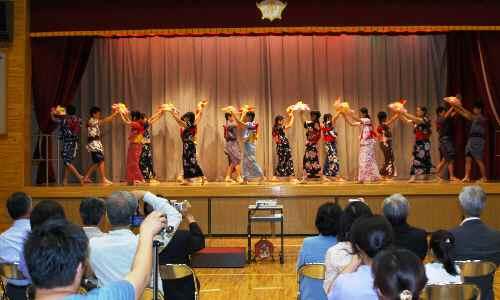 報告会踊2
