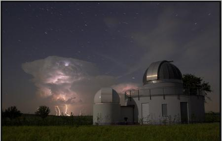タイトル:星空と雲と雷と