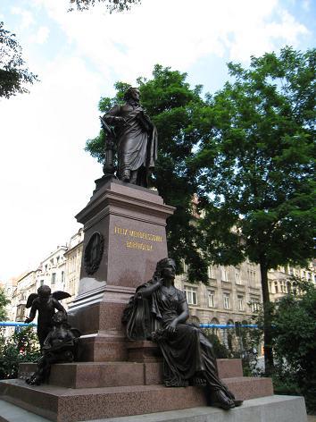 メンデルスゾーンの銅像