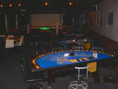 写真キャプション=この「ゲームカジノ」に2台が設置されているブラックジャックのテーブル