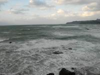 大宜見の荒れる海