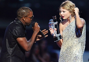 kanyewest_taylor_swift_getty-mtv09.jpg