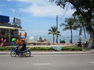 Pattaya0312.JPG