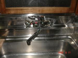 シングルレバー混合栓のキッチン